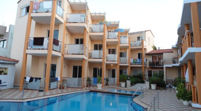 Hotel in Kato Stalos - Crete