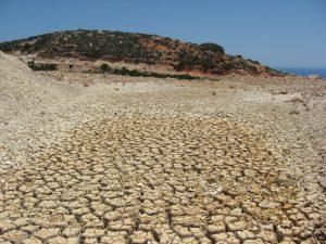 Drought-Medit-Soil-Milos-Greece_MarcelVanOijen_980px